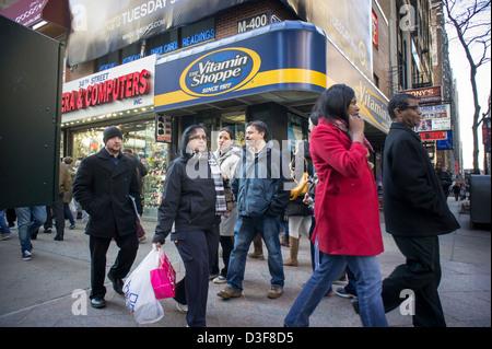 Una vitamina Shoppe store nel centro di Manhattan a New York il giovedì 14 febbraio, 2013. (© Richard B. Levine) Foto Stock