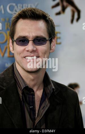 """(Dpa) - membro del cast Jim Carrey assiste la prima mondiale di """"Lemony Snicket una serie di sfortunati eventi' Foto Stock"""