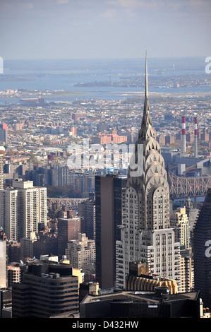 Chrysler Building visto dall' Empire State Building di New York City Foto Stock