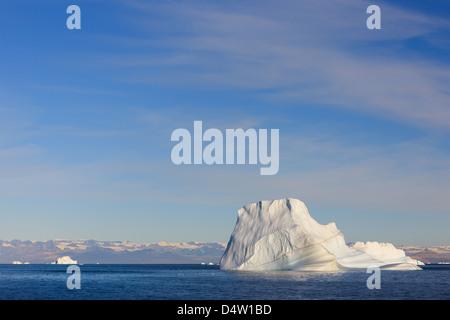 Iceberg nel Scoresbysund, est della Groenlandia Foto Stock