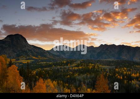 San Juan mountain range in autunno, i colori dell'autunno, Colorado, STATI UNITI D'AMERICA Foto Stock