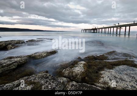 Tramonto di Lorne, Victoria, sulla Great Ocean Road Foto Stock