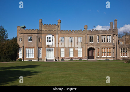 Il Nonsuch Mansion House, situato nei giardini del Parco Nonsuch, tra Cheam and Ewell nel sud di Londra, Surrey, Foto Stock
