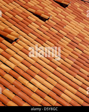 Tegole rosse sui tetti di Dubrovnik, Croazia Foto Stock