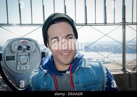 Manhattan, New York, Stati Uniti d'America. Il 15 aprile, 2013. Grammy-nominato atto Fall Out Boy compresi gli stati Foto Stock