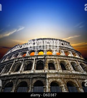 Colosseo a Roma Foto Stock