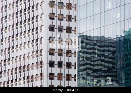 Abstract di edifici nel quartiere de La Defense, Parigi, Francia, Europa Foto Stock