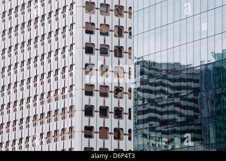 Abstract di edifici nel quartiere de La Defense, Parigi, Francia, Europa Foto Stock