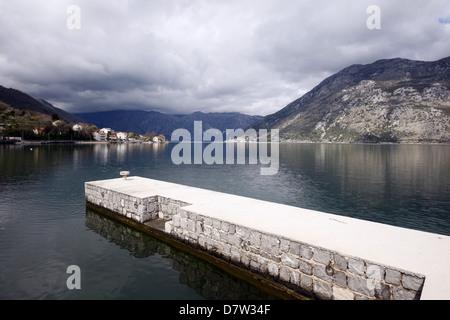 Vista panoramica sulla Baia di Kotor KOTOR Montenegro il 25 marzo 2013 Foto Stock
