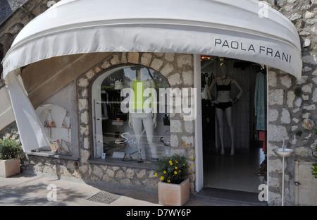Il designer italiano Paola Frani il negozio di abbigliamento in Capri sulla isola di Capri. Foto Stock