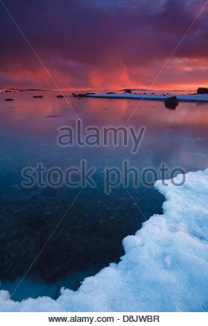 Paesaggio invernale al tramonto in Larkollen, Rygge kommune, Østfold fylke, Norvegia. Foto Stock