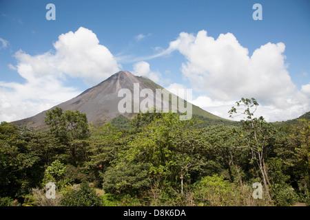 Il Vulcano Arenal, La Fortuna, Costa Rica Foto Stock