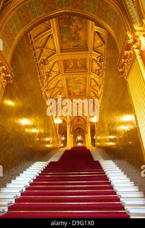 Grand scale, Parlamento ungherese edificio, Budapest, Ungheria Foto Stock