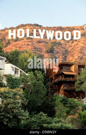 Sulle colline di Hollywood e il segno di Hollywood e Los Angeles, California, Stati Uniti d'America, America del Foto Stock