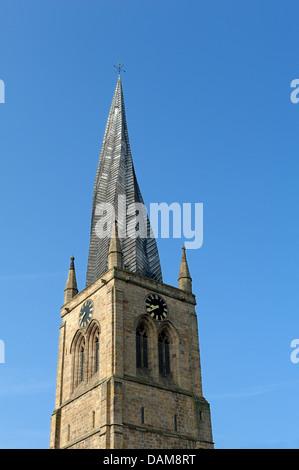 La guglia ritorto di Chesterfield Chiesa Parrocchiale Derbyshire England Regno Unito Foto Stock