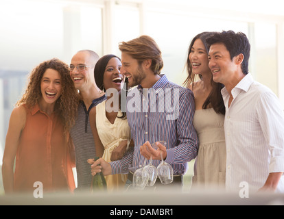 Gli amici di ridere insieme a parte