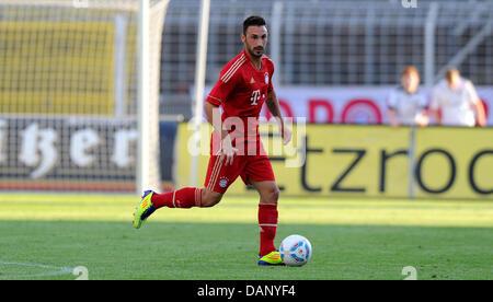 Diego Contento del FC Bayern Monaco controlla la sfera durante il test amichevoli-partita FC Carl Zeiss Jena vs Foto Stock