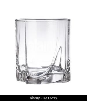 Vuoto in vetro di whiskey isolato su uno sfondo bianco Foto Stock