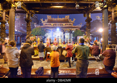 Tempio Longshan in Taipei, Taiwan. Foto Stock