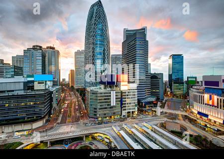 Shinjuku skyline di Tokyo, Giappone. Foto Stock