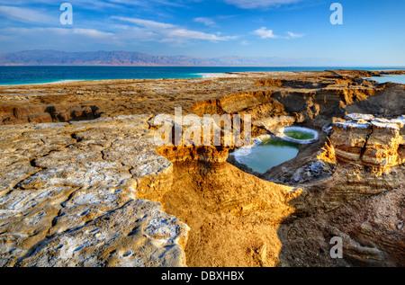 Doline nei pressi del Mar Morto in Ein Gedi, Israele. Foto Stock