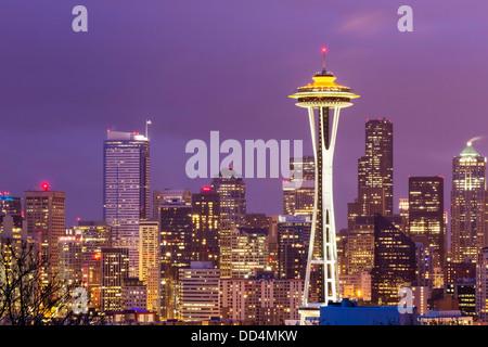 Seattle, Washington skyline della città con lo Space Needle Foto Stock