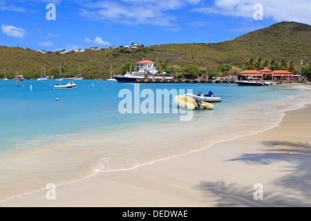 Spiaggia di Cruz Bay, San Giovanni, Stati Uniti Isole Vergini, West Indies, dei Caraibi e America centrale Foto Stock