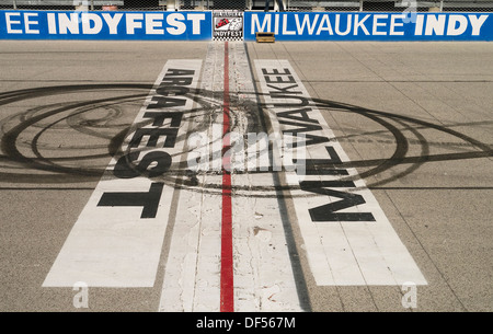 Avviare traguardo al Milwaukee Mile race track Wisconsin USA Foto Stock
