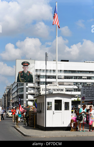 Il Checkpoint Charlie, Berlin, Berlin, Germania Foto Stock