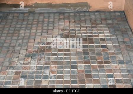 Antiscivolo per piastrelle utilizzate per la pavimentazione in una