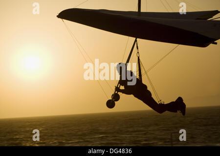 L'uomo deltaplano, Playa del Rey, Los Angeles, California, Stati Uniti d'America Foto Stock