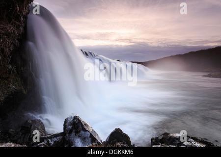 Una vista della cascata Faxifoss nel sud dell'Islanda. Foto Stock