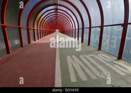 Oggetto pedoni e ciclisti bridge, Glasgow, Scotland, Regno Unito Foto Stock