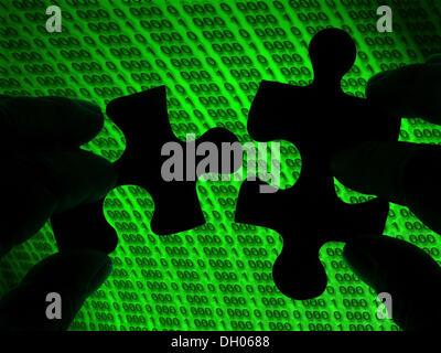Due mani unire i pezzi del puzzle, matrix Foto Stock