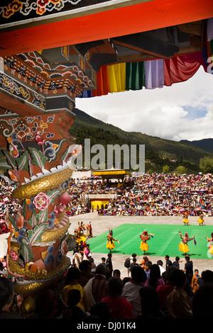 Il Bhutan, Thimpu Dzong, Tsechu annuale, riccamente decorate dipinte dell abate balcone Foto Stock