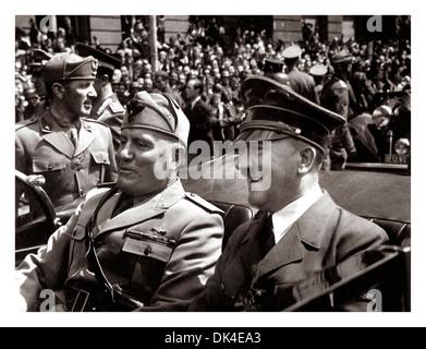 Benito Mussolini e Adolf Hitler a Monaco di Baviera, giugno 1940 durante il WW2 Foto Stock