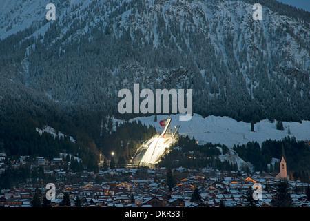 Alpi allgäu baviera accende la luce di illuminazione montagne