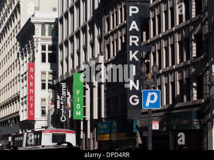 Garage per il parcheggio nel centro cittadino di San Francisco Foto Stock