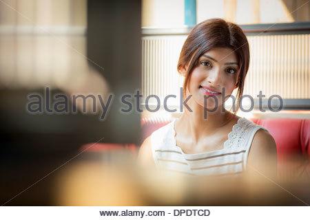 Ritratto di donna bruna Foto Stock