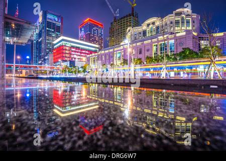 Taipei, Taiwan paesaggio urbano di Xinyi il quartiere finanziario. Foto Stock