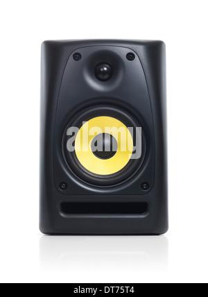Primo piano di un sistema audio altoparlante isolato con percorso di clipping su sfondo bianco Foto Stock
