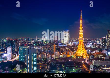 Tokyo, Giappone antenna cityscape cityscape vista di notte. Foto Stock