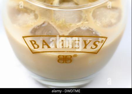 Il Baileys con ghiaccio