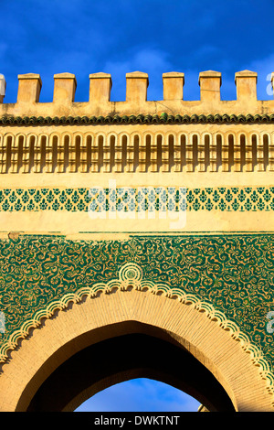 Bab Bou Jeloud, Fez, in Marocco, Africa Settentrionale, Africa Foto Stock