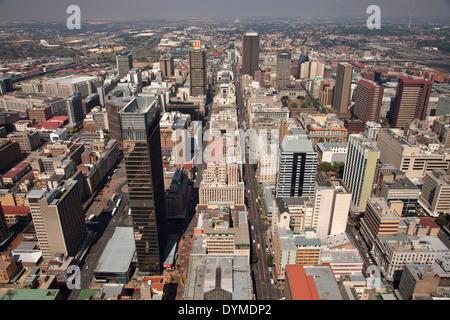 Vista del centro di Johannesburg e il CBD da Carlton Centre Johannesburg Gauteng, Sud Africa e Africa Foto Stock