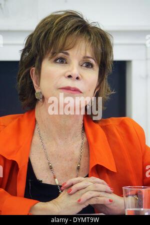 New York, Stati Uniti d'America. 15 apr 2014. Autore cilena Isabel Allende parla di Americas Society di New York, Foto Stock