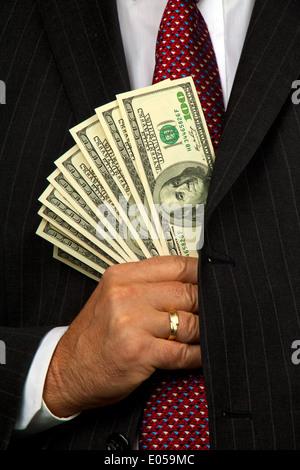 Manager con il dollaro di banconote in mano, Manager mit Dollar Geldscheinen in der mano