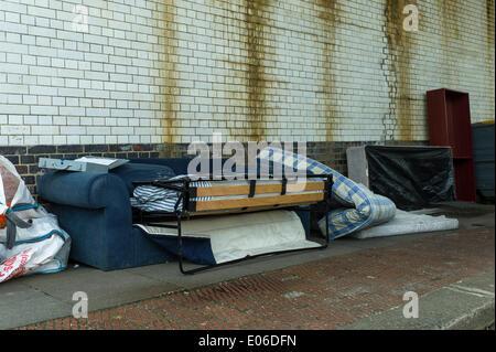 Londra, Regno Unito. 04 Maggio, 2014. London Borough of Barnet, Golders Green NW11 pensato come un affluente area Foto Stock