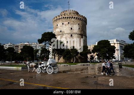 Torre Bianca (Lefkos Pirgos), il punto di riferimento del nord della città greca di Salonicco Foto Stock
