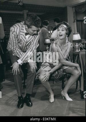 Jan 1, 1950 - Jive con le stelle: attrice Dawn Adams e Sydney Chaplin hanno un privato sessione Jive a Walton Studios Foto Stock